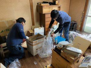 京都府向日市の遺品整理、不用品の分別作業を行っています。
